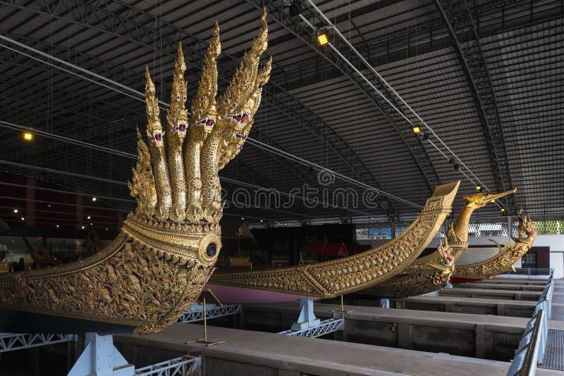 Bangkok Tajlandia, Sierpień, - 12, 2017: Tajlandzki królewski barek wewnątrz muzeum narodowe Królewskie barki, Bangkok, T zdjęcia stock