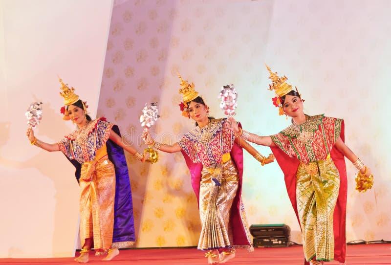 BANGKOK TAJLANDIA, STYCZEŃ, - 15: Tajlandzka Tradycyjna suknia. aktorzy p obrazy royalty free