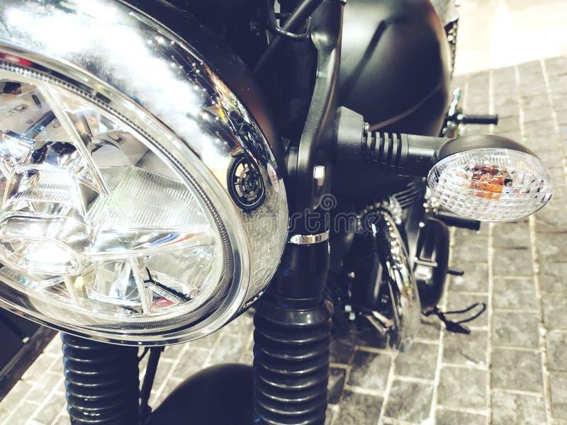 Bangkok, Thaïlande 14 avril 2019 : La moto de Kawasaki de détail-Un de vélo de moteur a été montrée dans le magasin de moto image stock