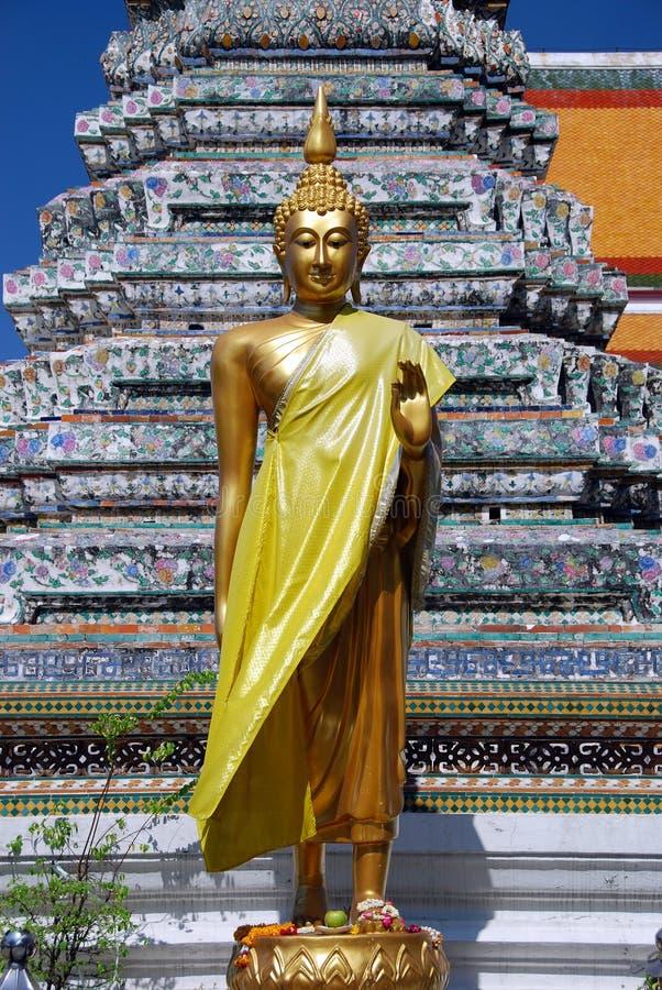 Bangkok, Thaïlande : Bouddha au temple de l'aube photos stock