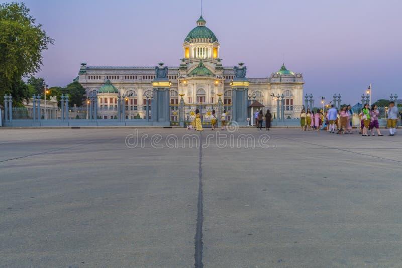 BANGKOK, THAÏLANDE - FÉV. 13, 2018 : Trône Hall d'Ananta Samakhom image stock