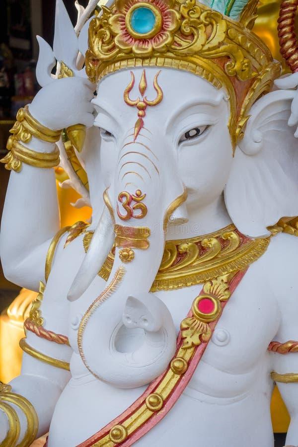 BANGKOK, THAÏLANDE, LE 8 FÉVRIER 2018 : Vue extérieure de chiffre blanc moulé d'éléphant qui ont la conception thaïlandaise à l'i photo stock