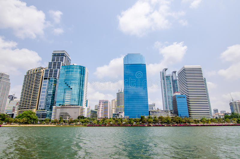 BANGKOK THAÏLANDE - mars, 12 2016 : Vue de paysage urbain des bâtiments photographie stock