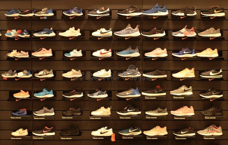 Bangkok Thaïlande septembre 2018 : Chaussures de Nike sur l'étagère, magasin de achat de sport image libre de droits