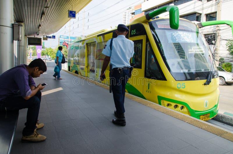 Bangkok, Thaïlande : Transit rapide d'autobus (LUMINEUX) images stock
