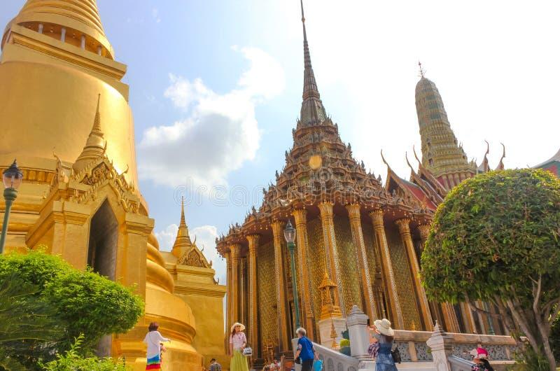 Bangkok Thailand - April 29, 2014 Phra Mondop, arkivet på templet av Emerald Buddha, Bangkok, Thailand arkivbilder