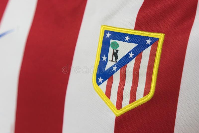 BANGKOK, THAILAND - 23. AUGUST: das Logo von Logo Atletico Madrid lizenzfreie stockfotos