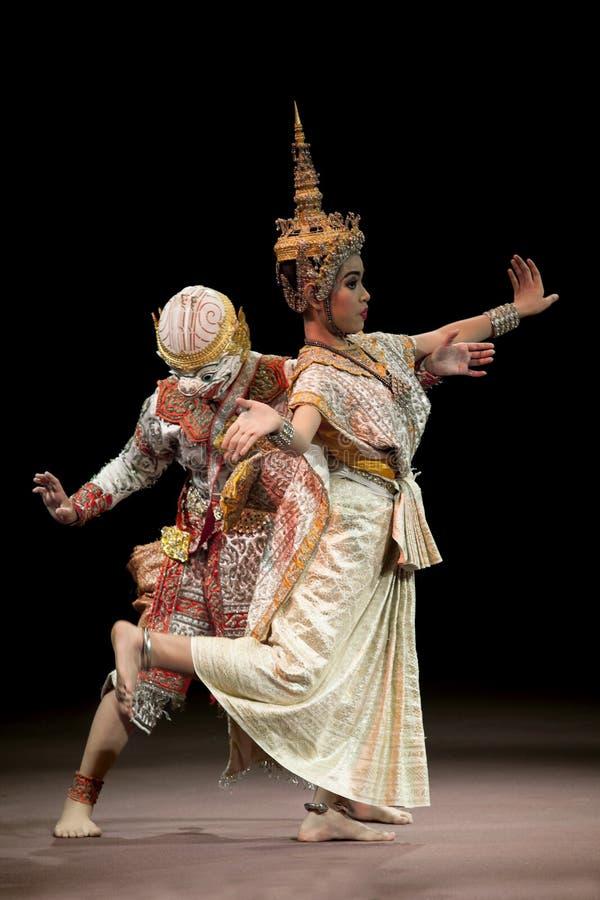 BANGKOK THAILAND - AUGUSTI 7: Hanuman och damfis royaltyfri bild
