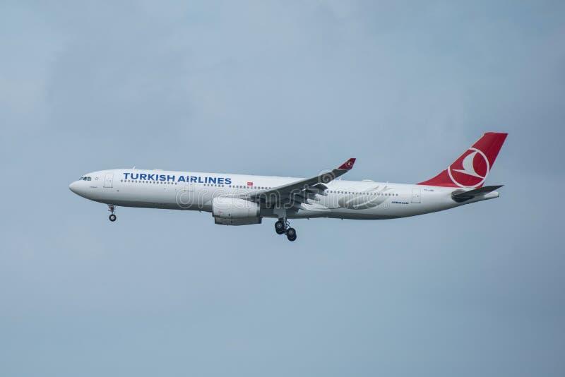 Bangkok, Thailand, 12 Augustus 2018: Turkish Airlines-Reg. Nr Tc-j royalty-vrije stock afbeeldingen
