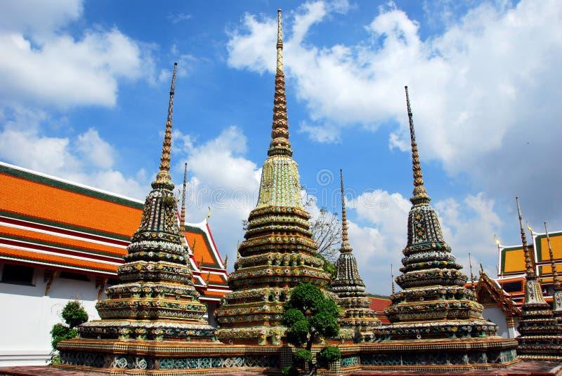 Bangkok, Thailand: Chedis in Wat Po royalty-vrije stock afbeelding