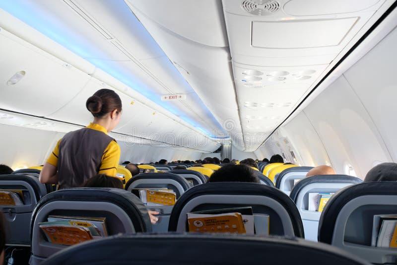 BANGKOK, THAILAND - 13. Dezember 2018: Die Fluglinie bei Dong Muang Airport Crew lokale Wege in Thailand lizenzfreie stockbilder
