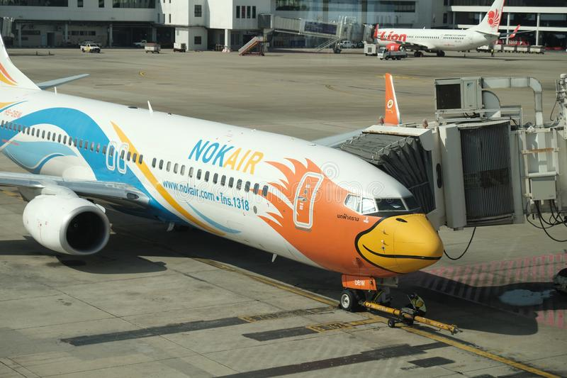BANGKOK, THAILAND - 13. Dezember 2018: Die Fluglinie bei Dong Muang Airport lokale Wege in Thailand stockfotos