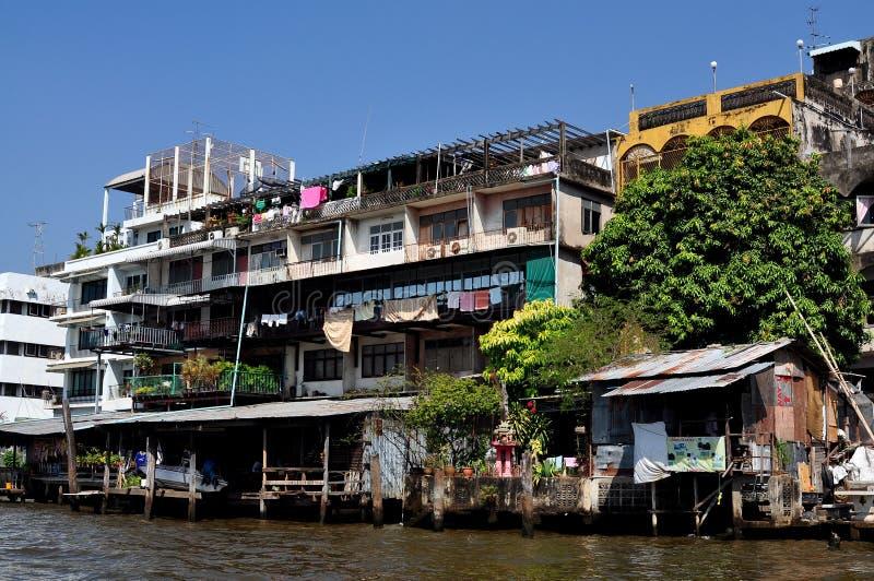 Download Bangkok, Thailand: Homes On Chao Praya River Editorial Photo - Image: 28740196