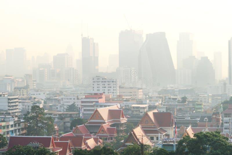 Bangkok Thailand - 30 Januari 2019: Luftförorening med damm e.m. 2 5 i Bangkok, Thailand fotografering för bildbyråer