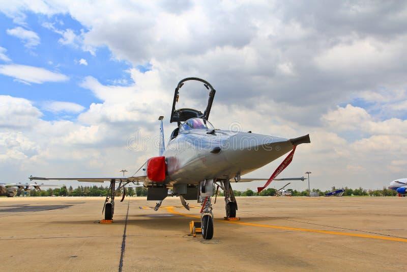 BANGKOK, THAILAND - 2. JULI: Flugzeugshows lizenzfreies stockbild