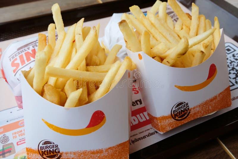 Bangkok, Thailand - 21. Juni 2018: Foto von Burger King-` s Pommes-Frites, die Teil dienen stockbild