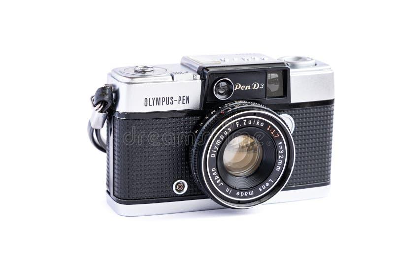BANGKOK THAILAND - Juni 29, 2019: Kamera för film för tappning för Olympus penna som d3 isoleras på vit bakgrund royaltyfria bilder