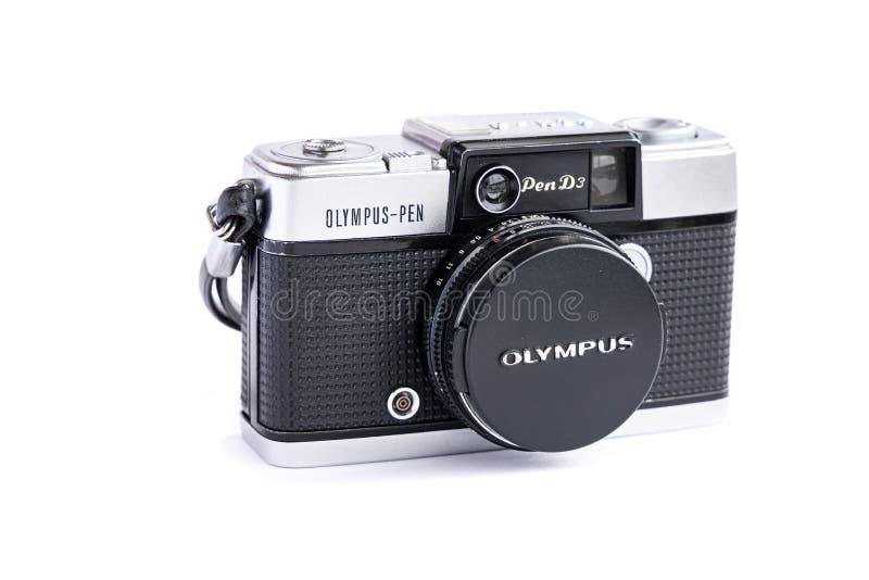 BANGKOK THAILAND - Juni 29, 2019: Kamera för film för tappning för Olympus penna som d3 isoleras på vit bakgrund fotografering för bildbyråer