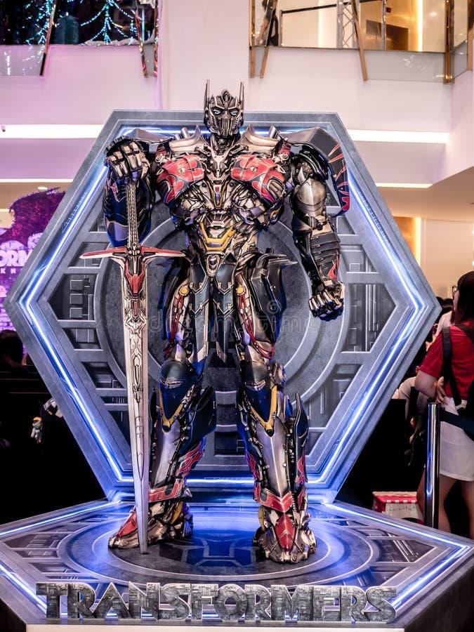 Bangkok Thailand - Juni 15, 2017: Optimus som är främsta från transformatorerna: Den sista riddaren Det är den femte amorteringen royaltyfria bilder