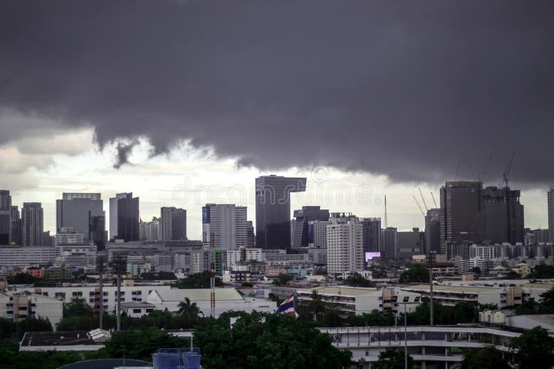 Bangkok Thailand-Juni 16,2019: Regnstormen ska falla i Bangkok arkivbild