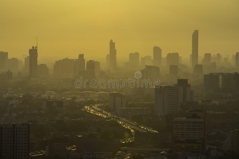 Bangkok Thailand - 21 Juni 2018, stadssikt som visar damm, luftf?rorening av Thailand p? 2 5 mikroner eller mindre e.m. 2 5 högre royaltyfri bild