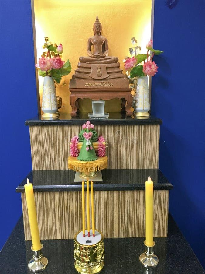 Bangkok, Thailand Juni 25,2018, zum Buddha der Buddha-Statue zu beten stockfotos