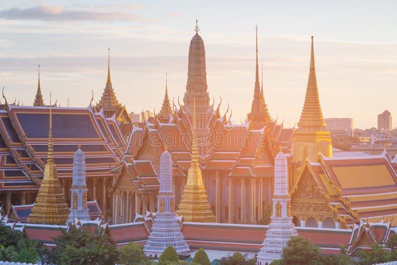 Bangkok Thailand kallade den storslagna slotten den Smaragd templet arkivfoto