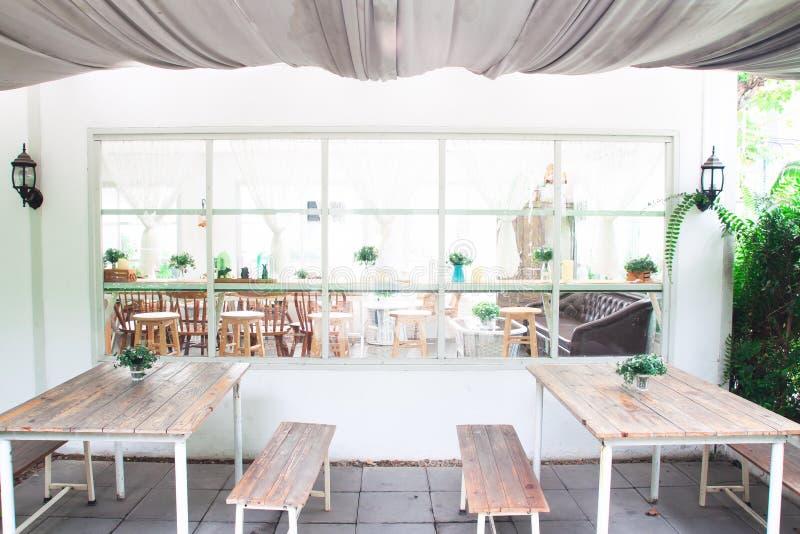 BANGKOK, THAILAND: Am 27. März 2019 - Weinlese und gemütliche Art selbst gemachtes Bäckereicafé Entspannen Sie sich Standort für  lizenzfreie stockfotos
