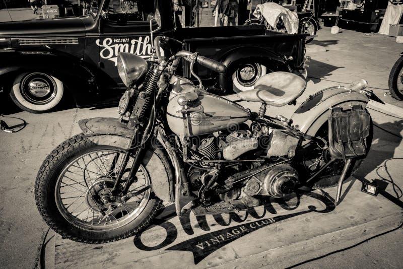 BANGKOK THAILAND, - MARS 3 2018: En Harley Davidson motorcykel visades i trasa- och skärmkläder musikfestivalen på Bangkoen royaltyfri fotografi