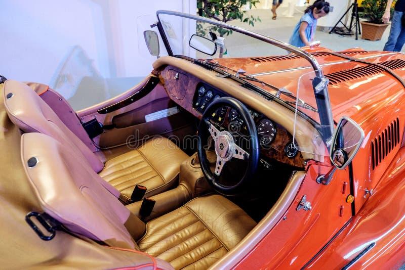 BANGKOK THAILAND, - MARS 11 2018: En tappningbil Morgan +8 eller plus8: 1968 visades i en klassisk motorisk show på Seacon fyrkan royaltyfria foton