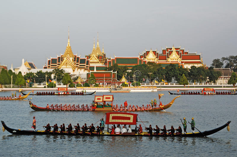 BANGKOK, THAILAND-MAY 5: Decorated barge parades at the Chao Phr