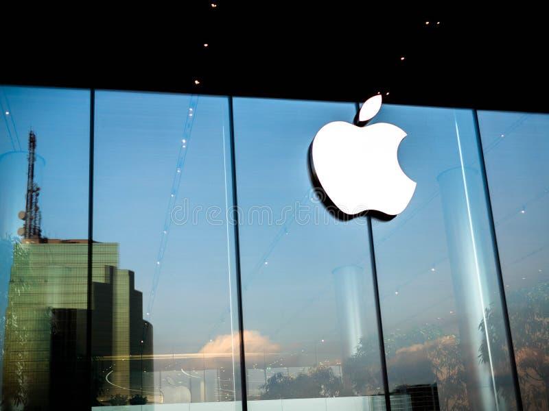 Bangkok, Thailand - 12. November 2018: Apple starten bereits seinen ersten thailändischen Speicher am iconSiam in Bangkok, Thaila lizenzfreie stockfotos