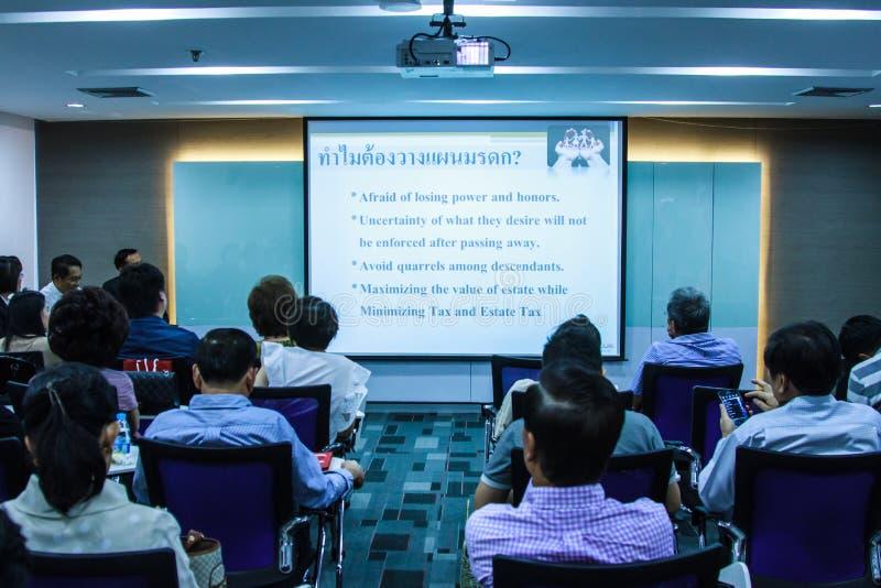 BANGKOK THAILAND-NOVEMBER 29: Bangkok seminarium Det thailändska folket tycker om seminarium royaltyfri fotografi