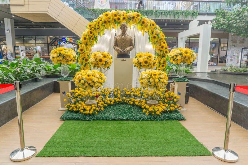 BANGKOK, THAILAND-OCT 24,2017 : Autel pour le Roi thaïlandais Bhumib de culte images stock