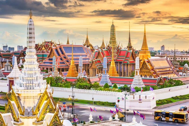Bangkok, Thailand p? templet av Emerald Buddha och storslagen slott royaltyfria foton