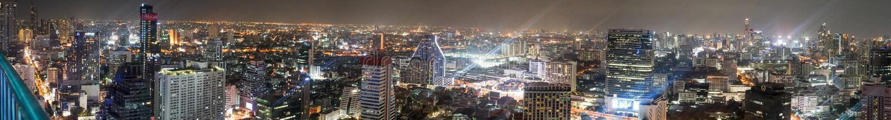 Bangkok Thailand panoramautsikt på natten royaltyfria bilder