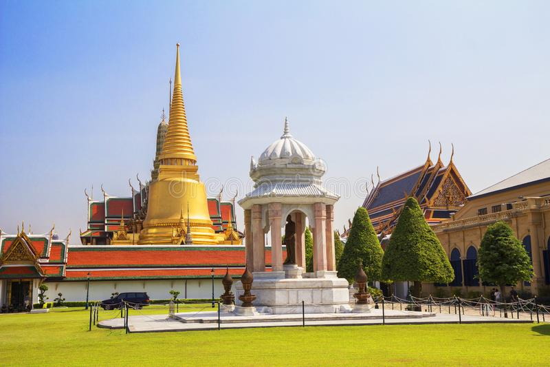 Bangkok Thailand, tempel av smaragdBuddha Wat Phra Kaeo i Royal Palace royaltyfria foton