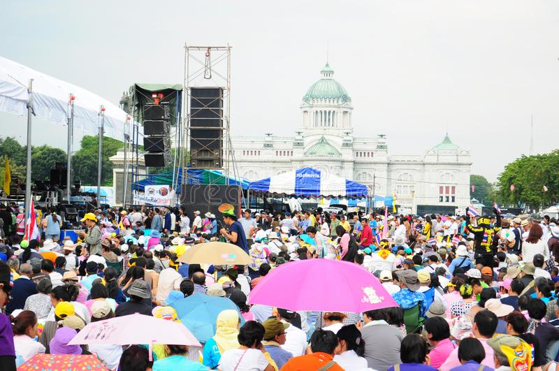 Bangkok/Thailand - 11 24 2012: Thai people protest against the gouvernment at the Royal Plaza.  stock images