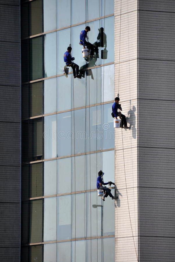 Free Bangkok, Thailand: Window Washers At Work Royalty Free Stock Photos - 18250478