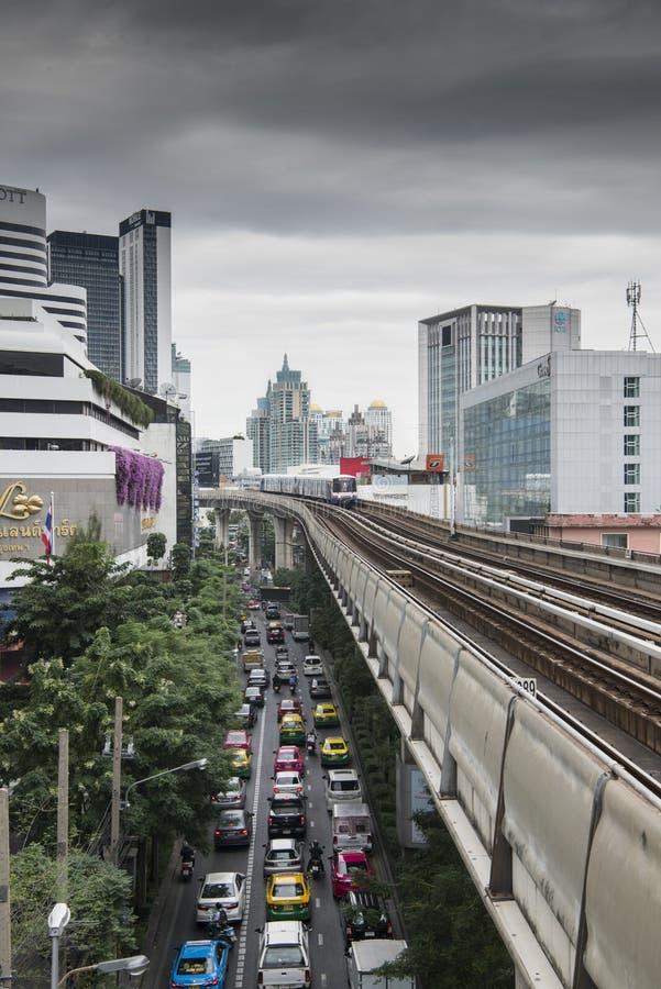 Bangkok, Trein het Aankomen stock afbeelding