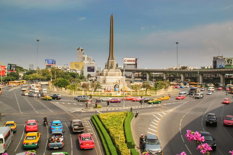 Bangkok - 2010: Victory Monument en Bangkok foto de archivo