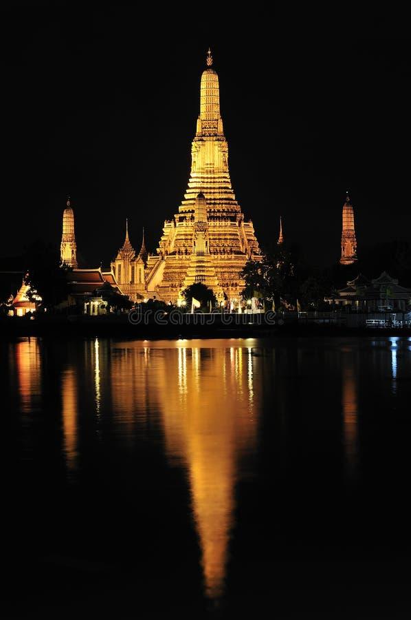 Bangkok, Wat Arun bij nacht stock foto's