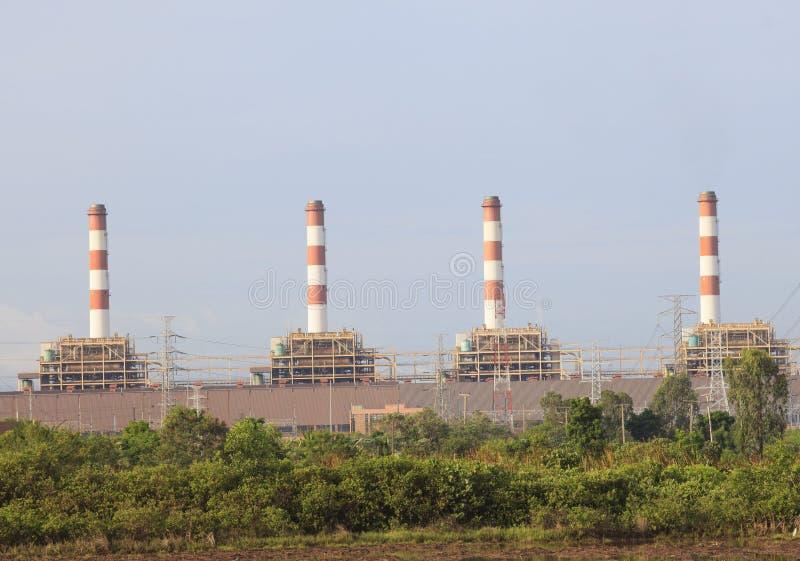 Bangpakong P E A av den Thailand Thermalkraftverket royaltyfri fotografi