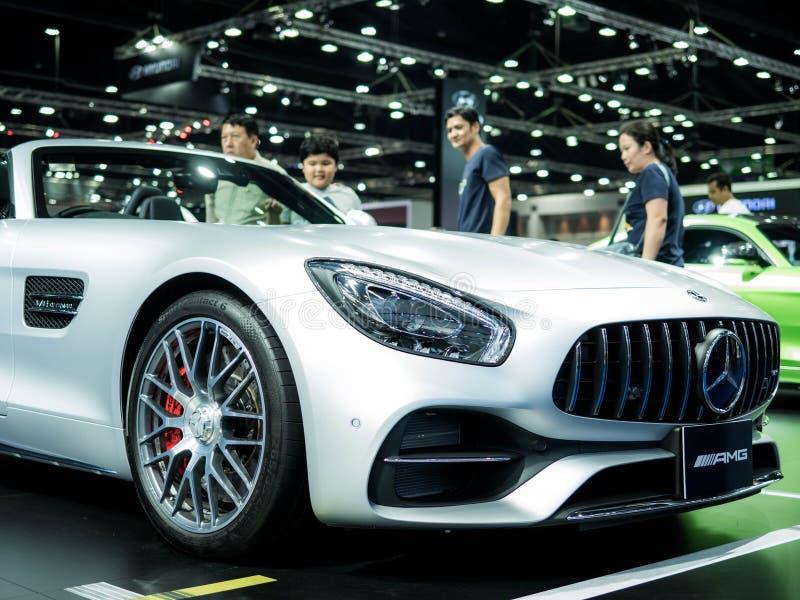 Banguecoque Tailândia - 6 DE ABRIL DE 2018: Carros novos de Mercedes Benz apresentados em Mercedes Benz Festival Hall na 39th Ban fotos de stock