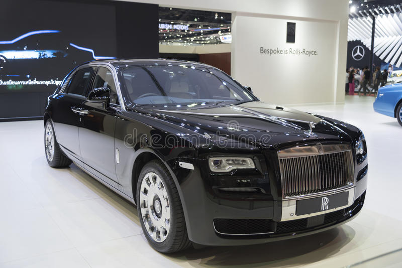 BANGUECOQUE, TAILÂNDIA - 4 DE ABRIL: Tipo clássico novo Rolls royce do carro imagens de stock