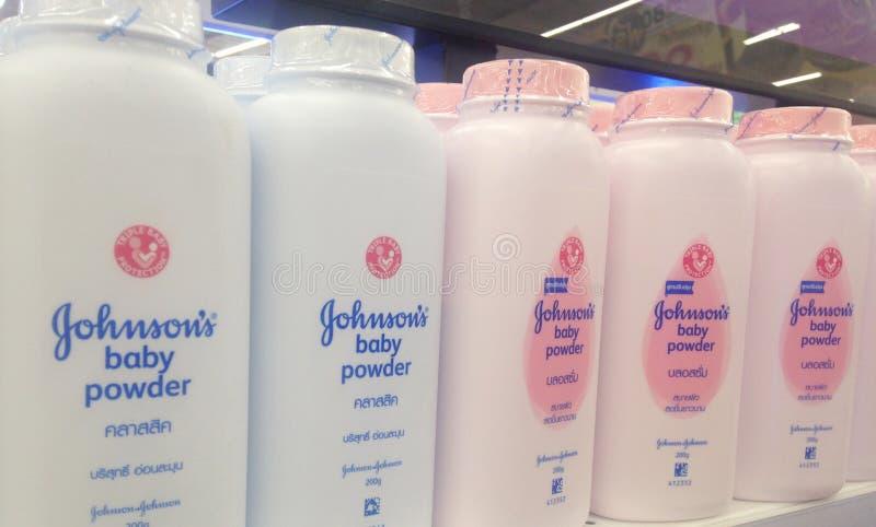 BANGUECOQUE, TAILÂNDIA 28 de agosto de 2017: garrafa de Johnson & de Johnso imagem de stock royalty free