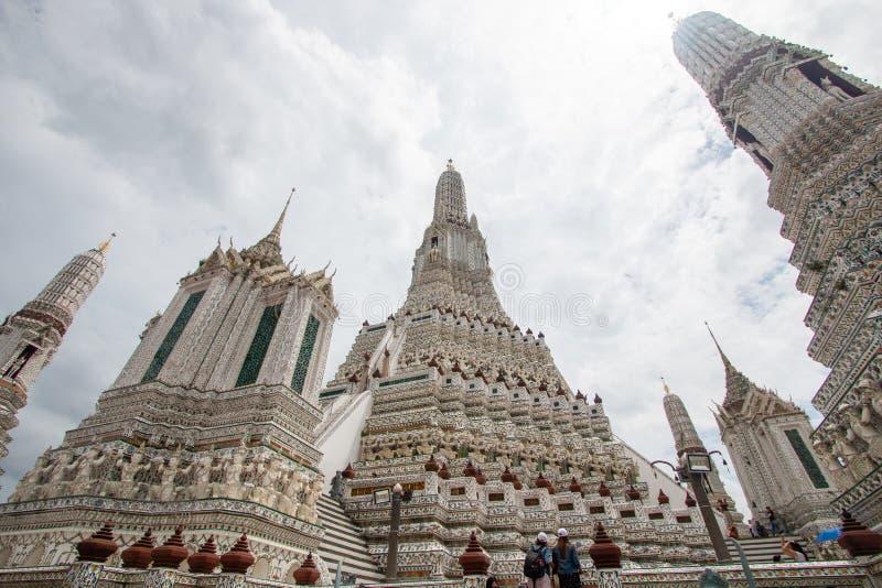 Banguecoque, Tailândia - 9 de julho de 2018: Wat Arun Ratchawararam Ratchawaramahawihan ou Wat Arun, Temple of Dawn budista antig imagens de stock