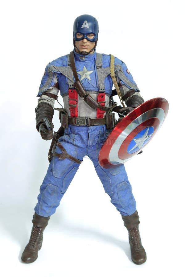 Banguecoque, Tailândia - 30 de março de 2016: Figura isolador do capitão America imagens de stock royalty free