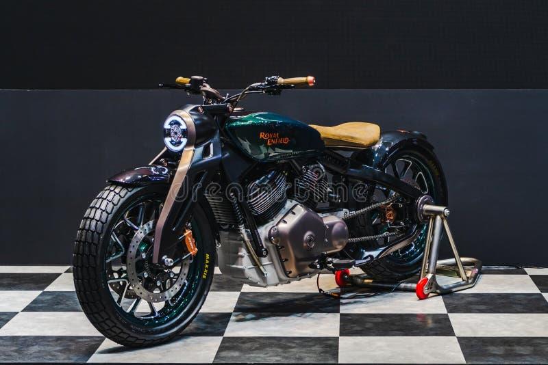 Banguecoque, Tailândia - 31 de março de 2019: A motocicleta real do conceito de Enfield KX mostrou na EXPOSIÇÃO AUTOMÓVEL IN fotos de stock royalty free