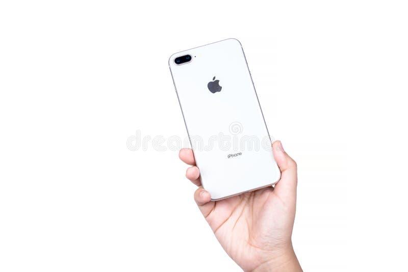 Banguecoque, Tailândia - 19 de novembro de 2017: Geração brandnew de iPhone de Apple 8 sinais de adição com o isolado da caixa no imagem de stock